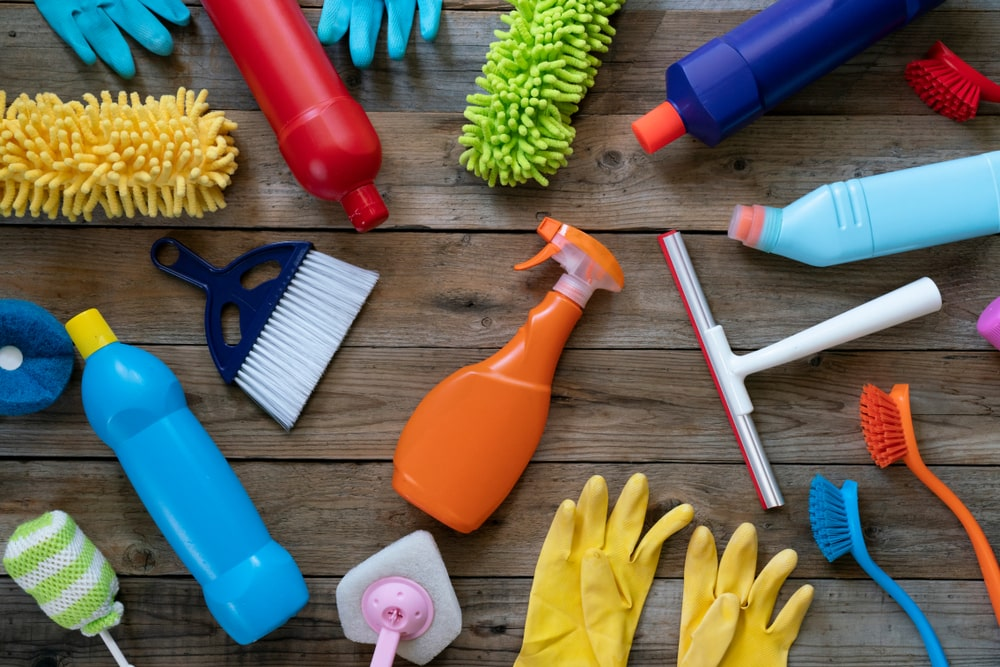 cleaning products for cleaning cat pee